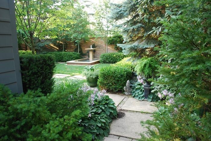 Gartenwege-gestalten-Eine-wunderschöne-Deko