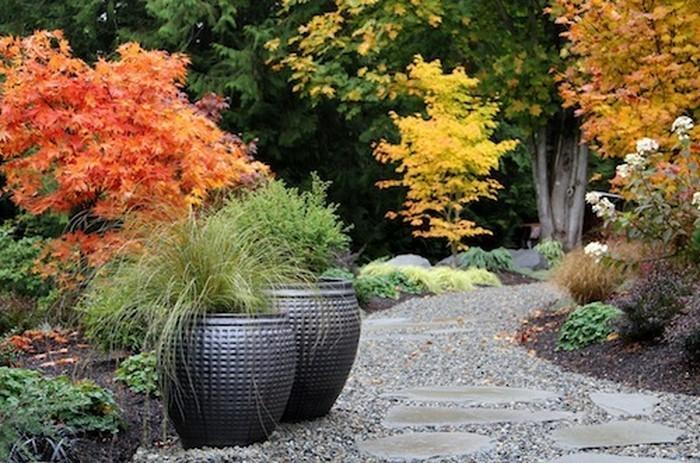 Gartenwege-gestalten-auffällige-Entscheidung