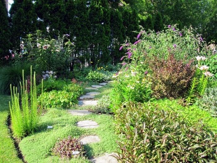 Gartenwege-gestalten-auffällige-Gestaltung