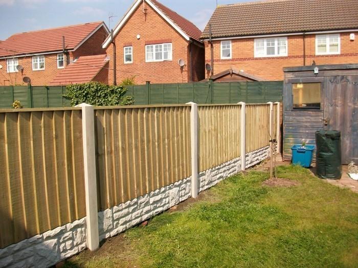 Gartenzaun-Sichtschutz-Eine-außergewöhnliche-Deko