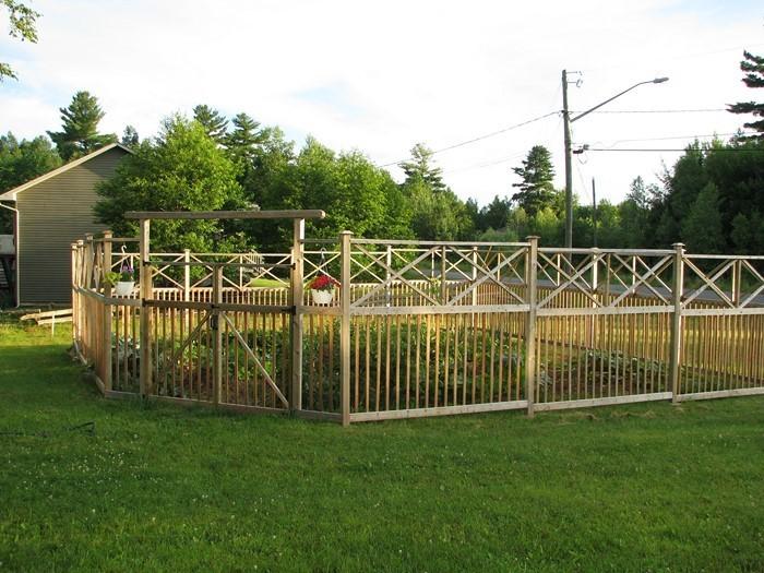 Gartenzaun-Sichtschutz-Eine-super-Deko