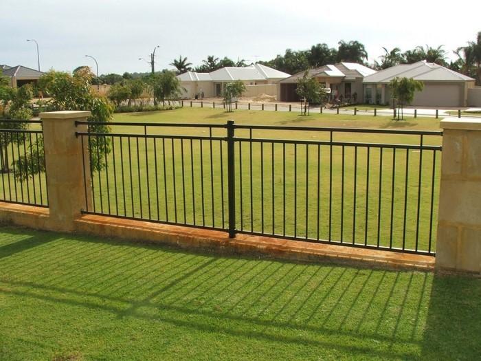 Gartenzaun Sichtschutz: 100 Wunderschöne Gartenmauer Vorschläge |  Gartendekoration ...