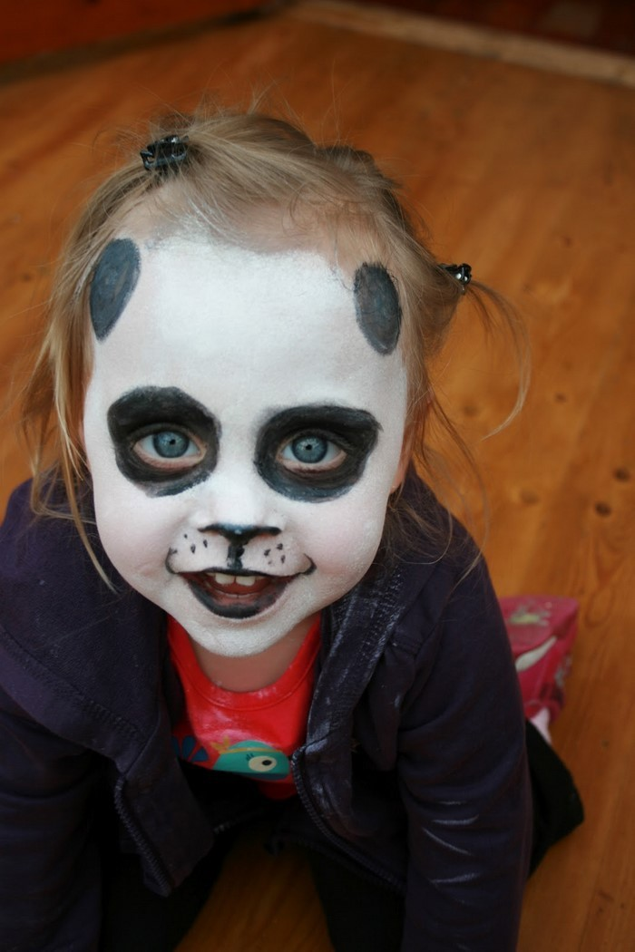 Halloween Schminke Mit Selbstgemachte Materialien