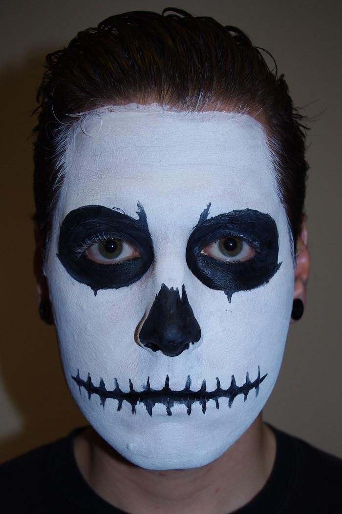 Halloween-Schminke-Eine-auffällige-einrichtung