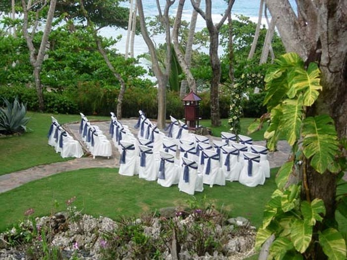 Heiraten-im-Garten-Ein-kreatives-Design