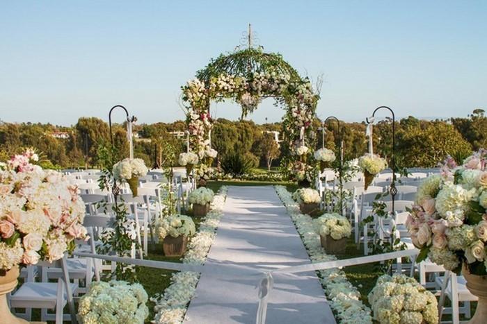 Heiraten-im-Garten-Eine-außergewöhnliche-Gestaltung