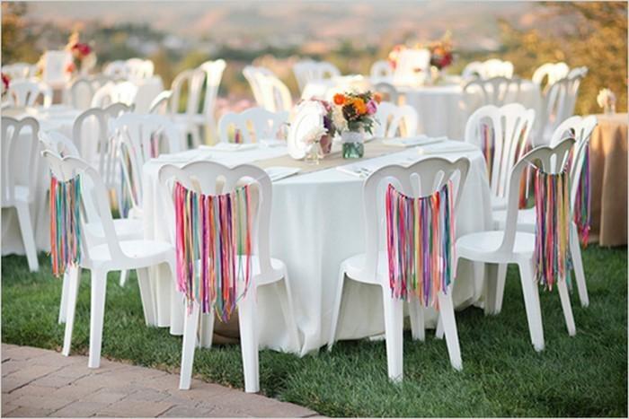 Heiraten-im-Garten-Eine-auffällige-Ausstattung
