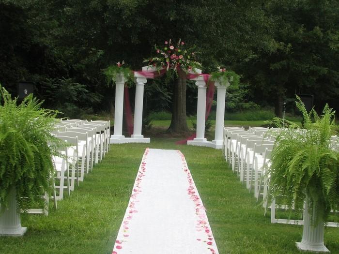 Heiraten-im-Garten-Eine-kreative-Deko