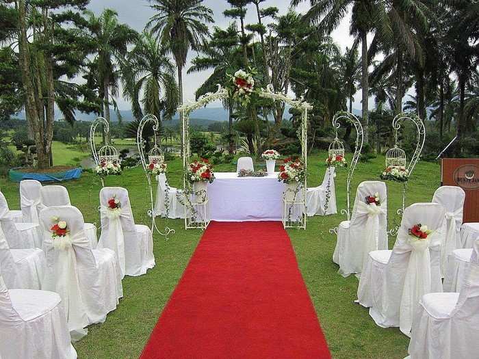 Heiraten-im-Garten-auffälliges-Design