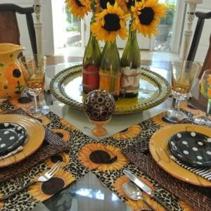Tischdeko mit Sonnenblumen – über 50 sonnige Vorschläge!
