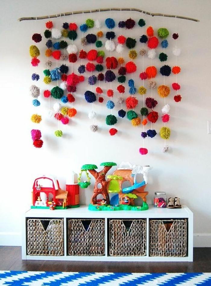 Kinderzimmer-Deko-selber-machen-bunt-und-hängend