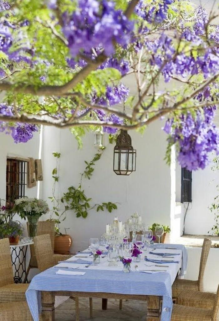 Mediterrane-Deko-Ideen-auf-dem-Hinterhof