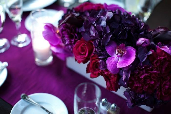 Romantisch-Dekorieren-mit-lila-Blumen