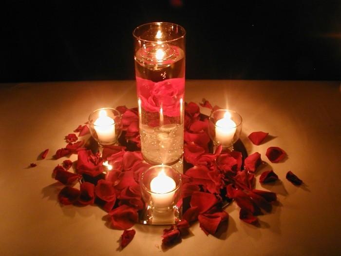Romantische-Deko-für-Hochzeit-am-Abend
