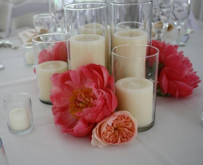 Romantische-Deko-mit-Kerzen-in-Gläsern