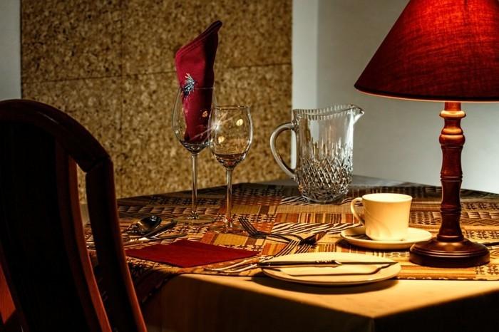 Romantische-Tischdeko-selbst-kann-man-auch-schaffen