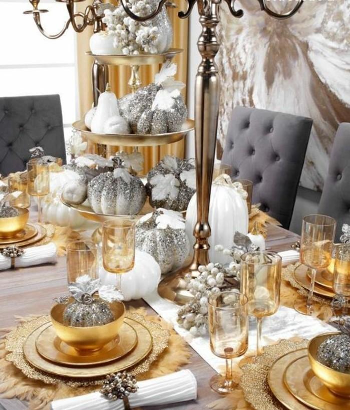 Schöne-Tischdeko-Golden-und-Silber