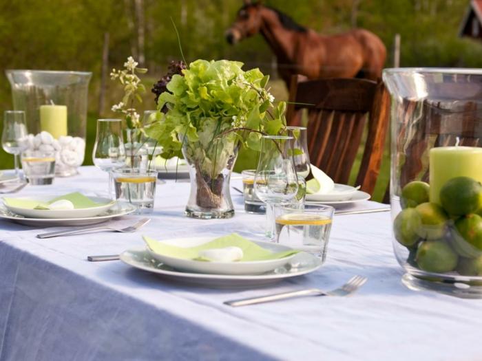 Schöne-Tischdeko-in-einer-Farm