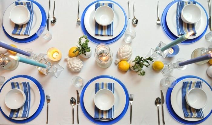 Sommerliche-Tischdeko-mit-Kerzen-und-Figuren