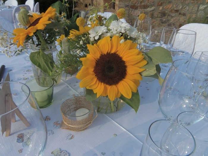 Sonnenblumen-Deko-zwei-prächtige-Blüte