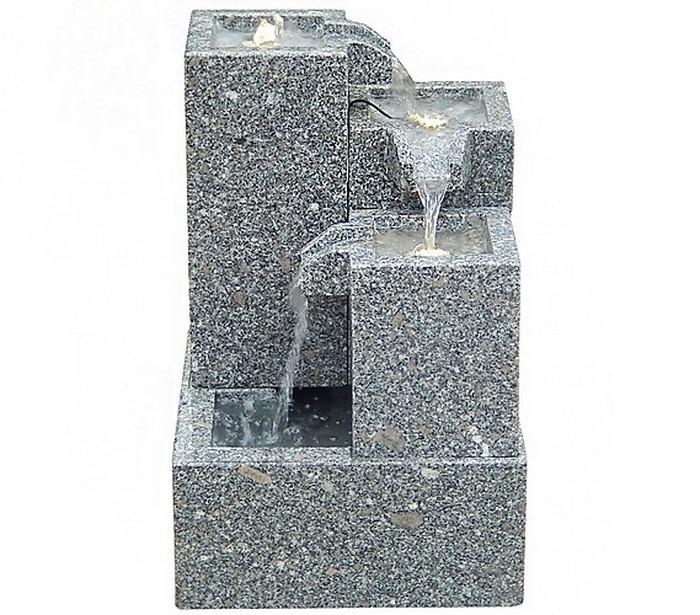 Springbrunnen-im-Garten-Eine-auffällige-Ausstrahlung
