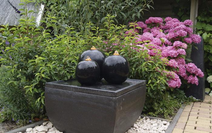 Springbrunnen-im-Garten-Eine-kreative-Ausstattung