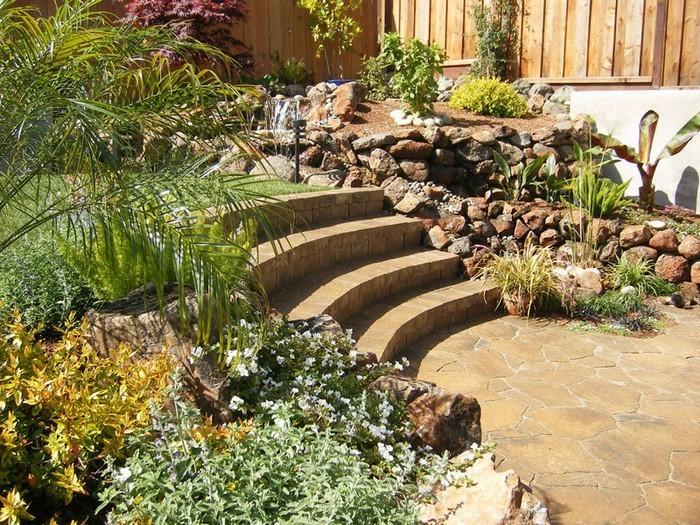 terrasse bauen gardenterrasse im hinterhof 70 ideen. Black Bedroom Furniture Sets. Home Design Ideas