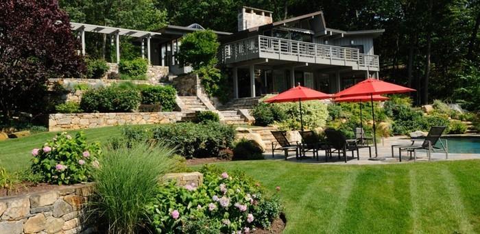 Terrasse-bauen-Eine-wunderschöne-Dekoration