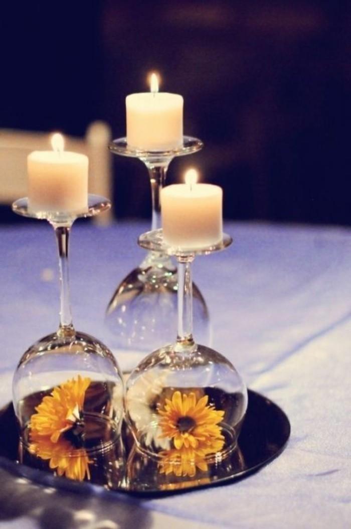 Tischdeko-Silberhochzeit-mit-Kerzen-auf-Gläser