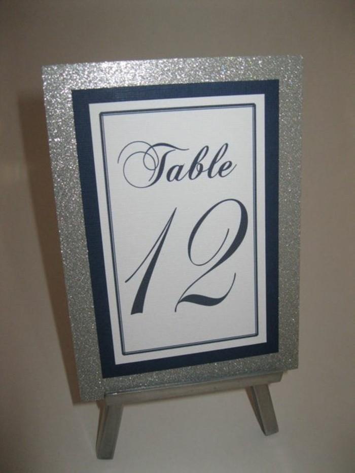 Tischdeko-Silberhochzeit-silbere-Tabelle-für-den-Tisch