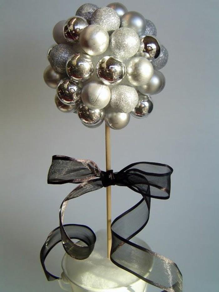 Tischdeko-für-Silberhochzeit-rundem-Baum