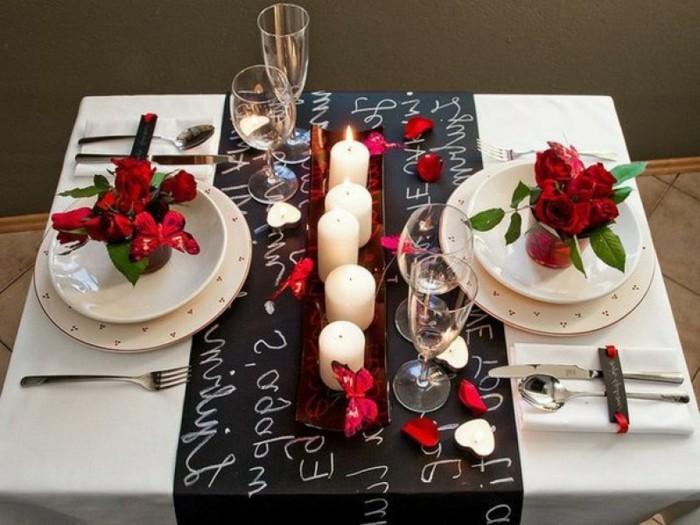 Tischdeko-mit-Rosen-für-ein-Paar