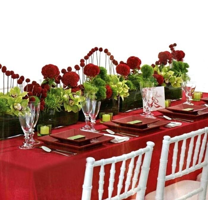 Tischdeko-mit-Rosen-ganz-romantisch