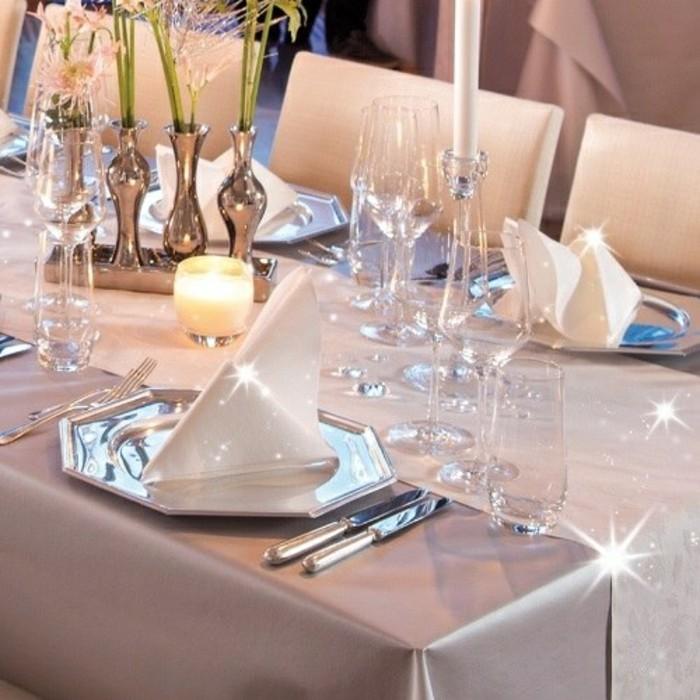 Tischschmuck-Silberhochzeit-von-tafeldeko-gläntzend