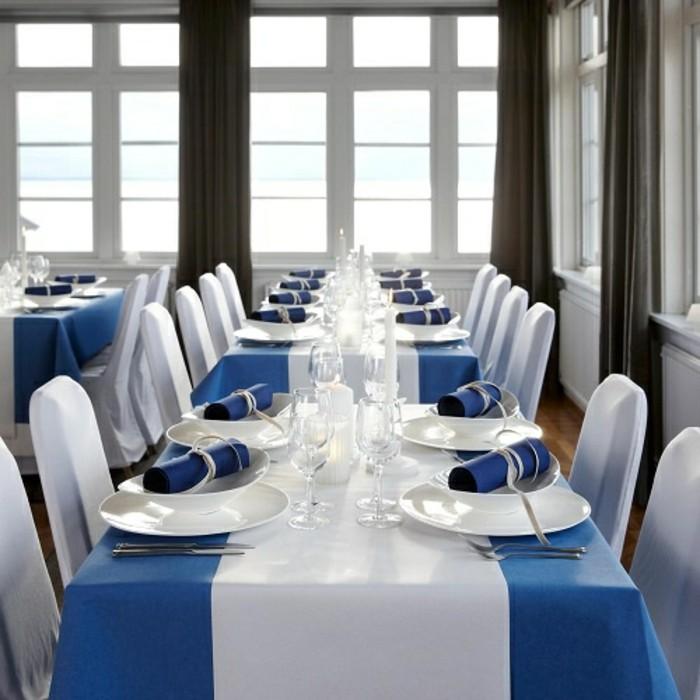 Tischschmuck-Silberhochzeit-von-tafeldeko-in-blauer-Farbe