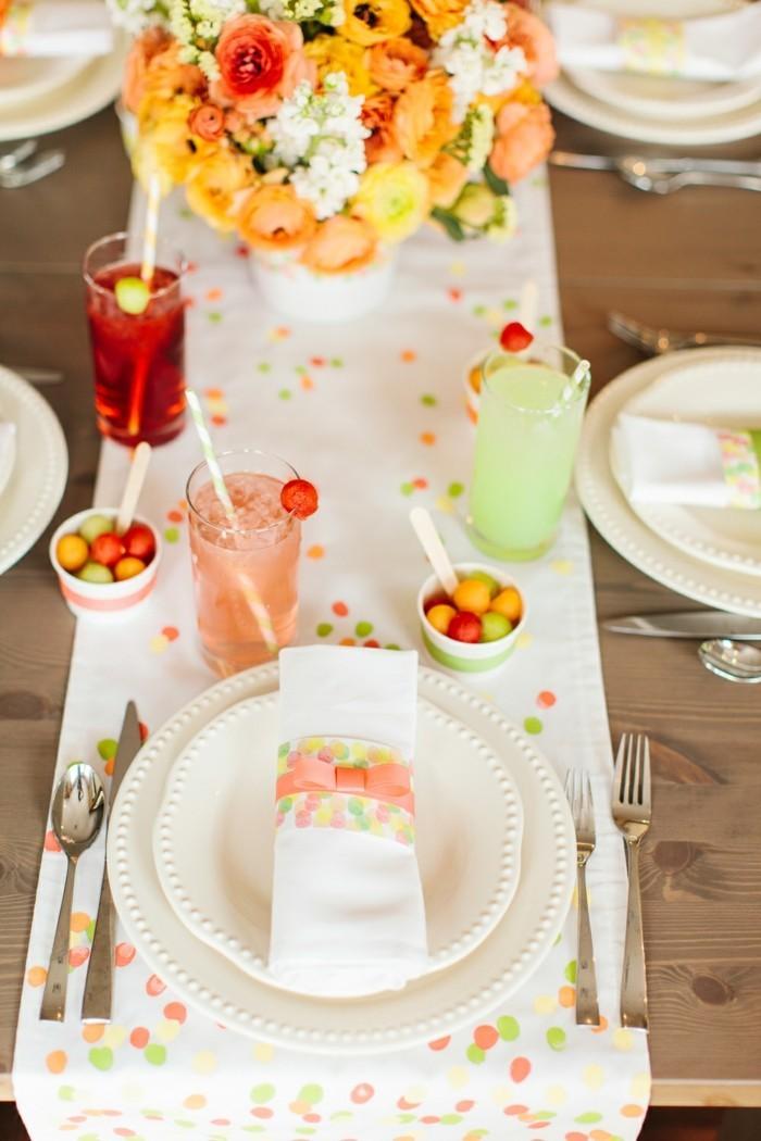 außergewöhnliche-Tischdeko-völlig-bunt