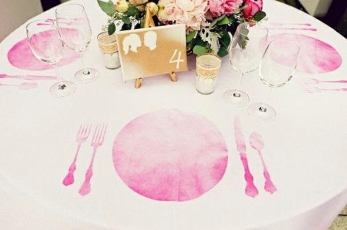 ausgefallene-Tischdeko-Hochzeit-mit-bestimmten-Platz-für-die-Teller