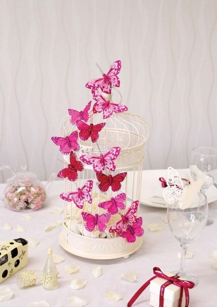 ausgefallene-Tischdeko-mit-rosa-Schmetterlingen