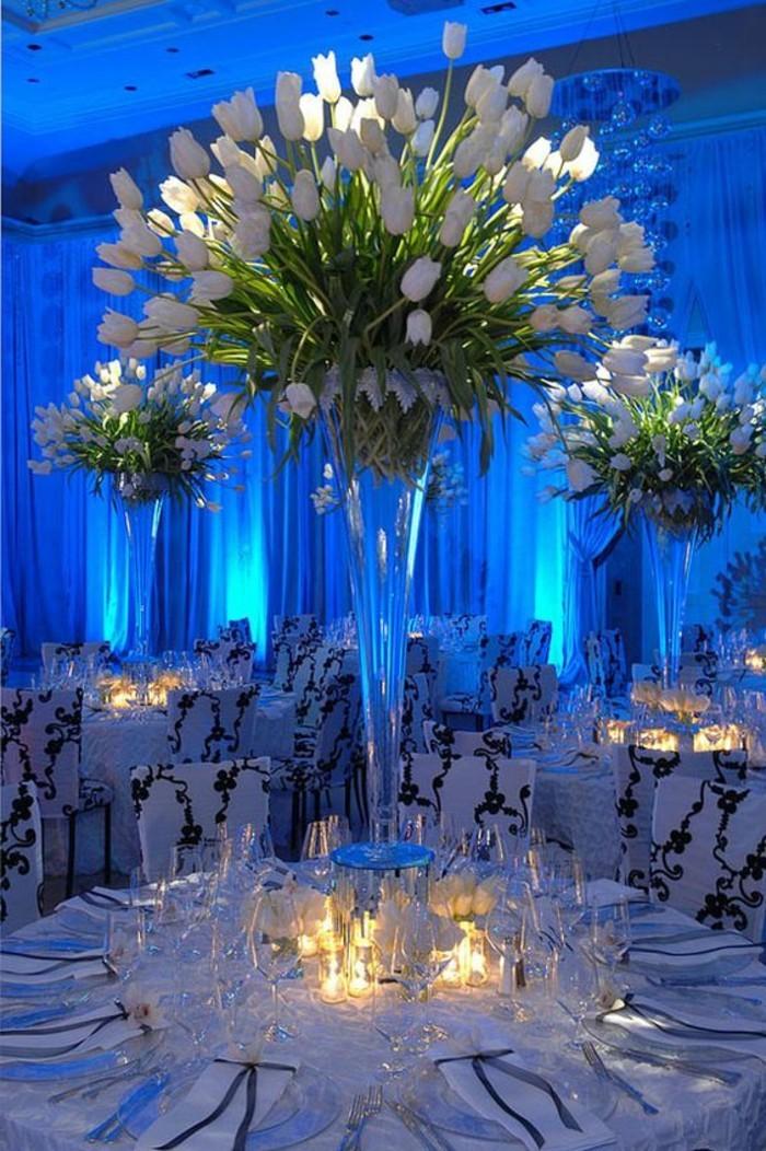 ausgefallene-Tischdeko-viele-weiße-Blumen