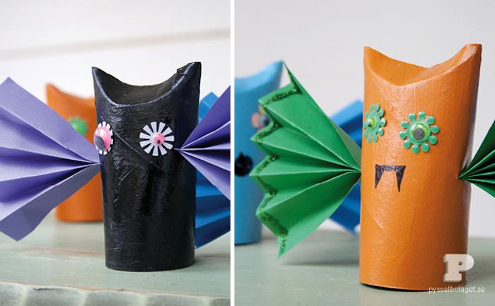 DIY Halloween Monster aus Klopapierrollen, Flügel aus Papier schneiden, Bastelideen für Kinder