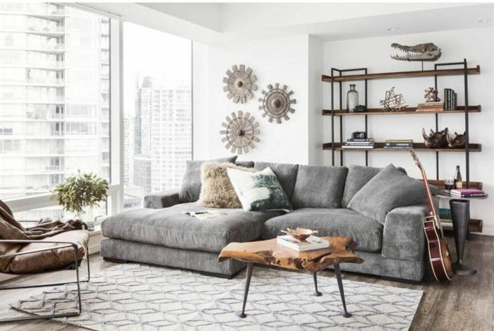 Wohnzimmer einrichten Beispiele, verschiedene Arten von Dekoration an der Wand, geometrischer Teppich
