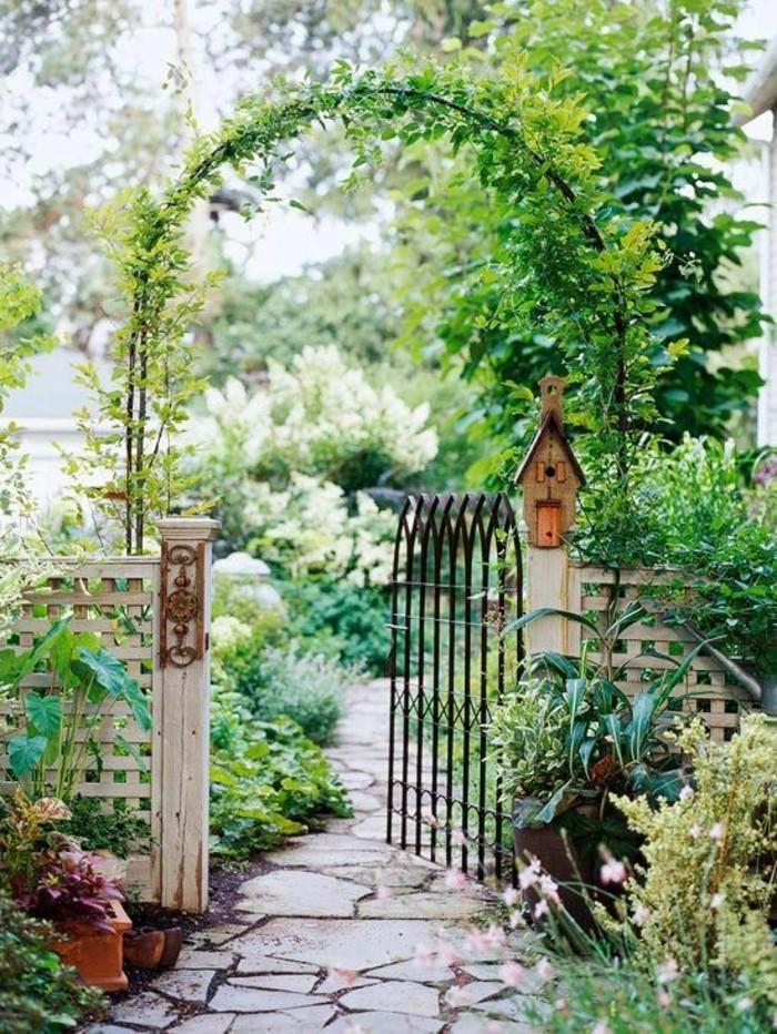 Rosenbogen Holz Hagebaumarkt ~ Das naturbelassene Holz verleiht dem Garten einen romantischen