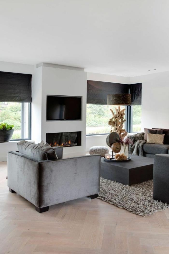 Minimalistische Inneneinrichtung, Kamin, schlichte Linien, Kamin, Wohnzimmer einrichten Beispiele,