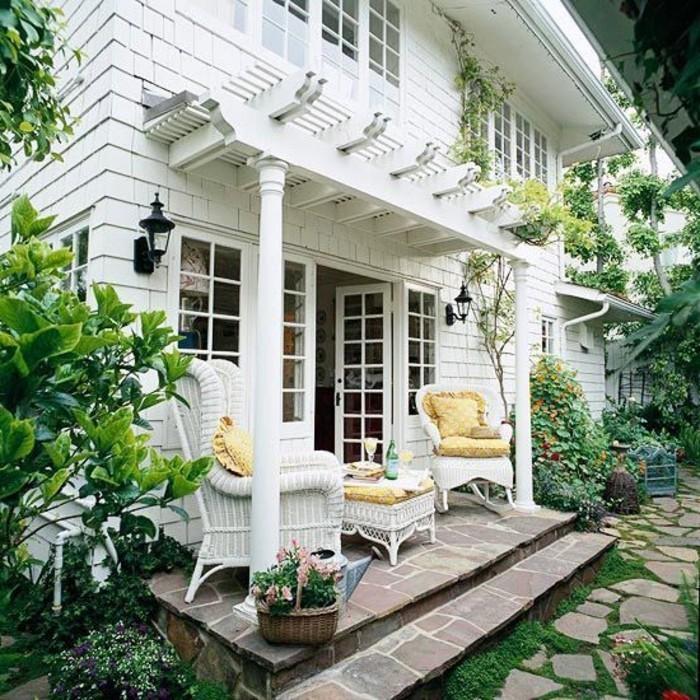 pergola-veranda-holz-gartenmöbel