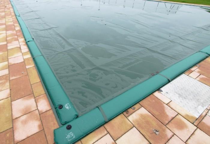 poolabdeckung-grüne-poolabdeckung-für-ihren-pool