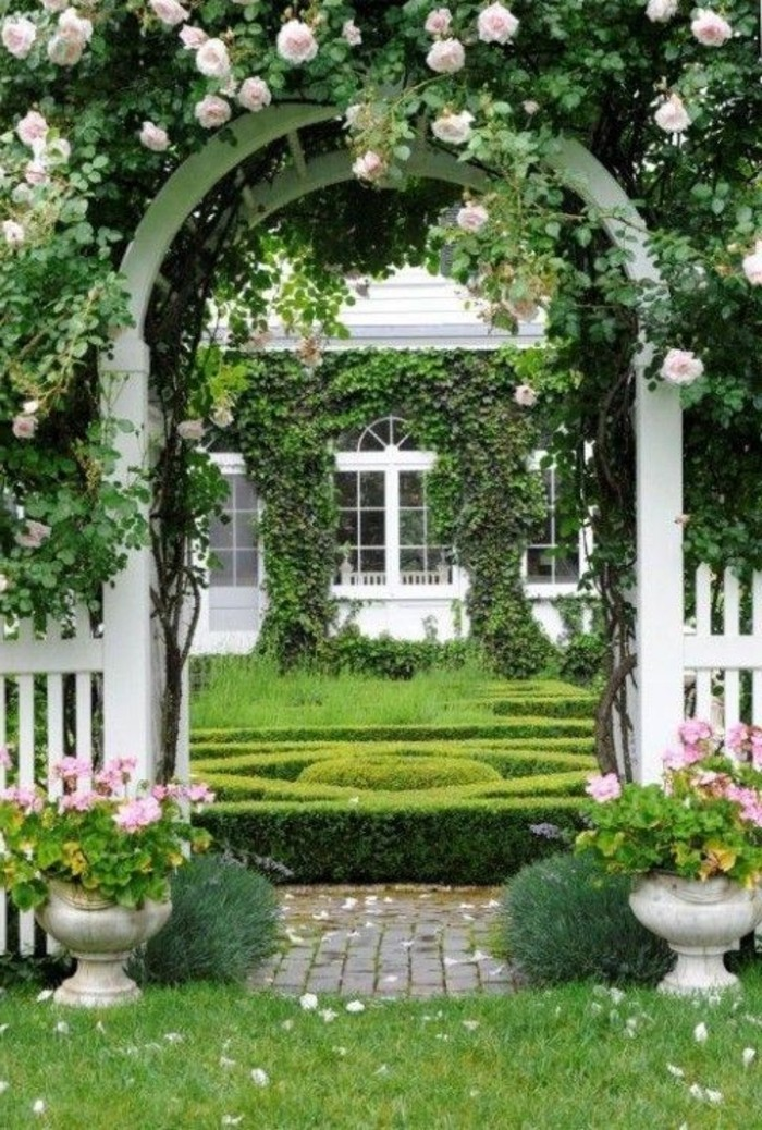 Rosenbogen Holz Hagebaumarkt ~ Gemütliche Gartengestaltung mit Holzzaun