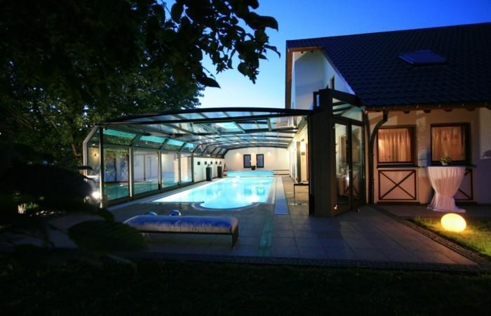 schwimmbadüberdachung-ausgefallene-ideen-für-eine-schwimmbadüberdachung-mit-wandanbau