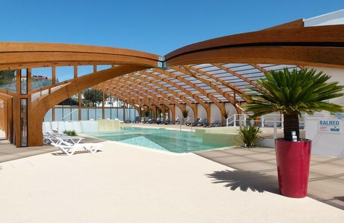 schwimmbadüberdachung-die-elegenten-schwimmbadüberdachungen-von-abrisud