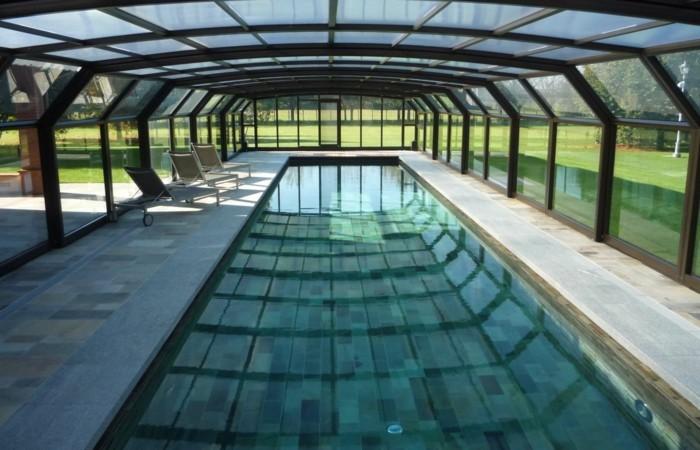 schwimmbadüberdachung-die-kompakten-und-hohen-schwimmbadüberdachungen