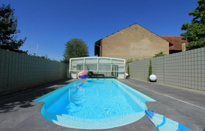 schwimmbadüberdachung-die-mittelhohe-poolüberdachung-kann-eine-gute-idee-sein